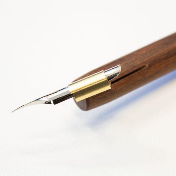 Penhouder hout oblique