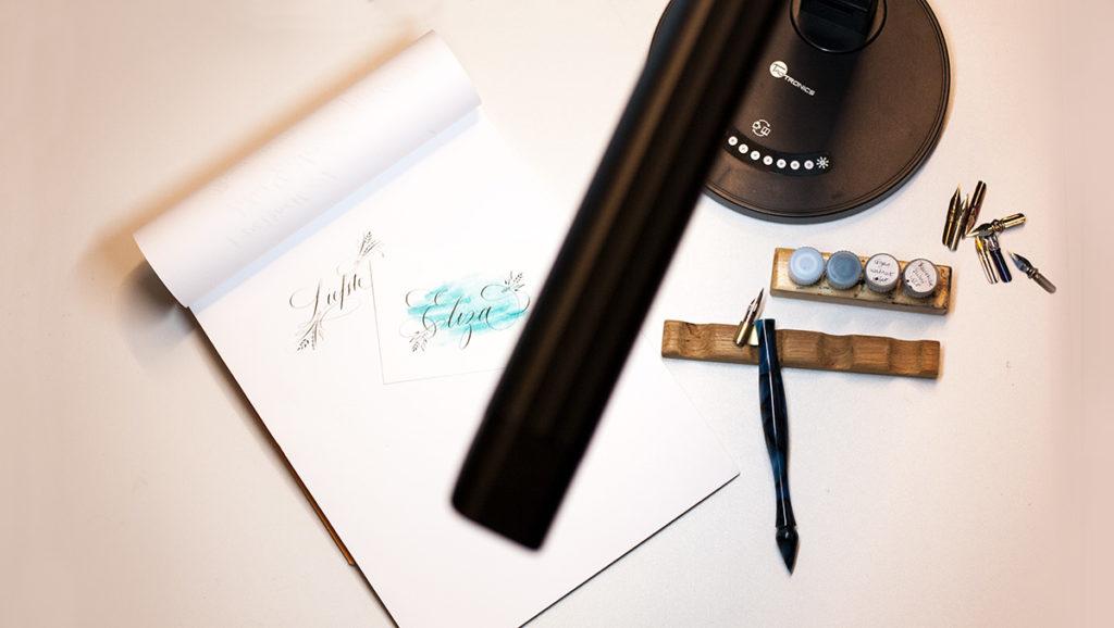 Product review: Led-lamp voor meer licht bij het kalligraferen