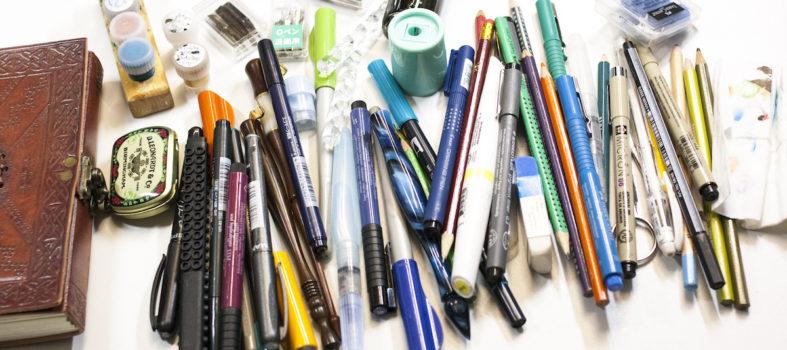 Etui vol materialen voor creatie kopie