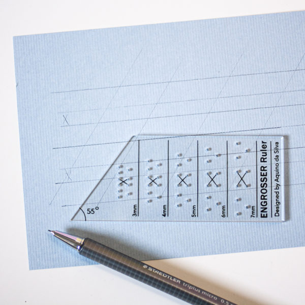 Kalligrafie hulplijnen liniaal Aquino da Silva